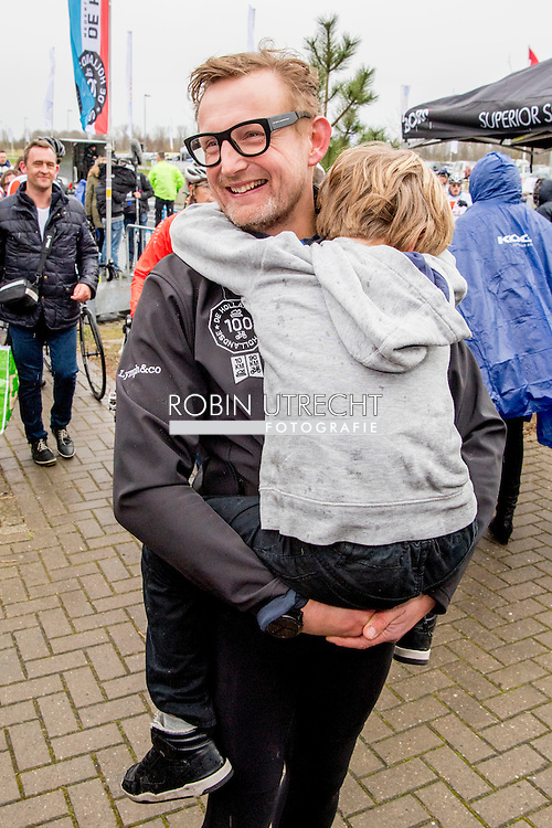 BIDDINGHUIZEN - Prinses Margriet  en Pieter van Vollenhoven en prins Maurits tijdens de derde editie van De Hollandse 100 op FlevOnice, een sportief evenement van fonds Lymph en Co ter ondersteuning van onderzoek naar lymfeklierkanker. BIDDINGHUIZEN - Prinses Margriet, prins Maurits en zijn kinderen tijdens De Hollandse 100 op FlevOnice, een sportief evenement ter ondersteuning van onderzoek naar lymfeklierkanker. COPYRIGHT ROBIN UTRECHT <br /> Prins Floris en prinses Aimee en Magali (2007), Eliane (2009) tijdens de derde editie van De Hollandse 100 op FlevOnice, een sportief evenement van fonds Lymph en Co ter ondersteuning van onderzoek naar lymfeklierkanker.<br /> Prins Bernhard en prinses Annette  en Isabella (2002), Samuel (2004) en Benjamin (2008) tijdens de tweede editie van De Hollandse 100 op FlevOnice, een sportief evenement van fonds Lymph en Co ter ondersteuning van onderzoek naar lymfeklierkanker. <br /> <br /> 5-3-2017 - BIDDINGHUIZEN -  princess MARGRIET During the third edition of the Dutch 100 on FlevOnice, a sporting event fund Lymph and Co. to support research into lymphoma. COPYRIGHT ROBIN UTRECHT
