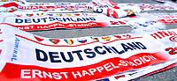 GEPA-2906087336A - WIEN,AUSTRIA,29.JUN.08 - FUSSBALL - UEFA Europameisterschaft, EURO 2008, Host City Fan Zone, Fanmeile, Fan Meile, Public Viewing. Bild zeigt Schals. Keyword: Schal.<br />Foto: GEPA pictures/ Reinhard Mueller