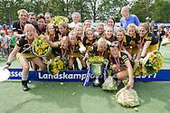 DEN BOSCH - Den Bosch - Laren, Hockey Dames Finale NK, seizoen 2010-2011, 04-06-2011, Complex Oosterplas, teamfoto, Den Bosch is Nederlands kampioen.