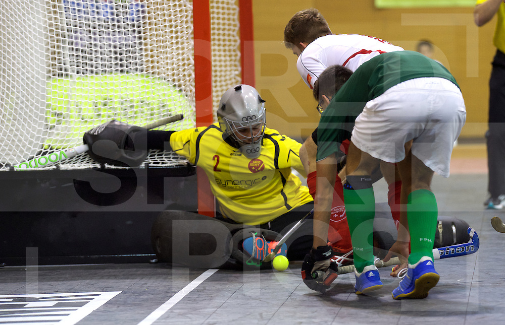 2017 EuroHockey Indoor Junior Championship (M)<br /> 13 Suisse - Portugal<br /> Foto: Lars (Gk) Kleikemper defending.<br /> FFU PRESS AGENCY COPYRIGHT FRANK UIJLENBROEK