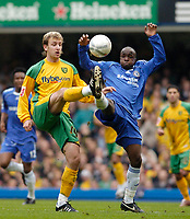 Photo: Leigh Quinnell.<br /> Chelsea v Norwich City. The FA Cup. 17/02/2007.<br /> Norwichs' Chris Brown clashes with Chelseas Lassana Diarra.