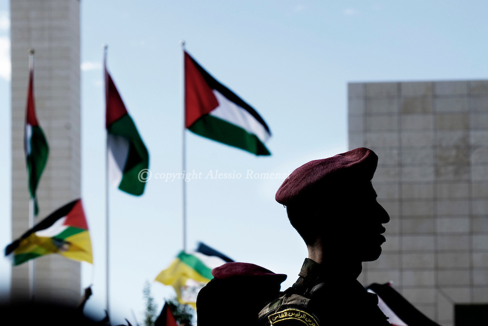 Palestinian soldiers at the Palestiian autority headquarter in Ramallah to celebrate the fifth anniversary of late president Yasser Arafat's death on November 11, 2009..© ALESSIO ROMENZI