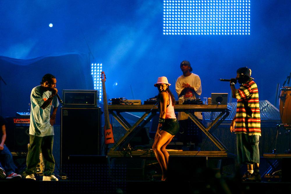 Belo Horizonte_MG, Brasil...Show do Marcelo D2 no segundo dia do PopRockBrasil no Mineirao...Marcelo D2 show, in the second day of PopRockBrasil in the Mineirao...Foto: LEO DRUMOND / NITRO