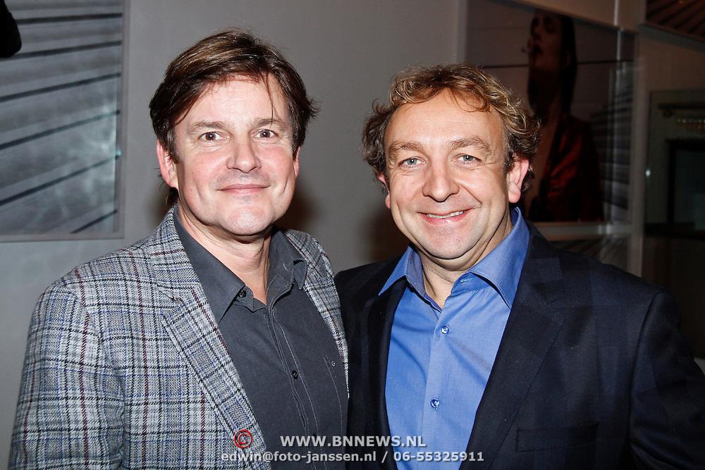 NLD/Amsterdam/20111121 - Premiere toneelvoorstelling Zangeres zonder Naam, Jon van Eerd en partner Ton Fiere