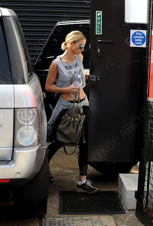 22.MARCH.2012. LONDON<br /> <br /> SARAH HARDING ARRIVING AT THE CIROPRACTOR OR GYM IN HIGHGATE, LONDON<br /> <br /> BYLINE: EDBIMAGEARCHIVE.COM<br /> <br /> *THIS IMAGE IS STRICTLY FOR UK NEWSPAPERS AND MAGAZINES ONLY*<br /> *FOR WORLD WIDE SALES AND WEB USE PLEASE CONTACT EDBIMAGEARCHIVE - 0208 954 5968*