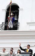 JAN/19/2009 ENERO 19 2009<br /> El populista presidente ecuatoriano Rafael Correa, se dirige a su simpatizantes desde el balc&oacute;n del palacio de Carondelet, en Quito, Ecuador. (Photo by IPAPHOTO.COM)