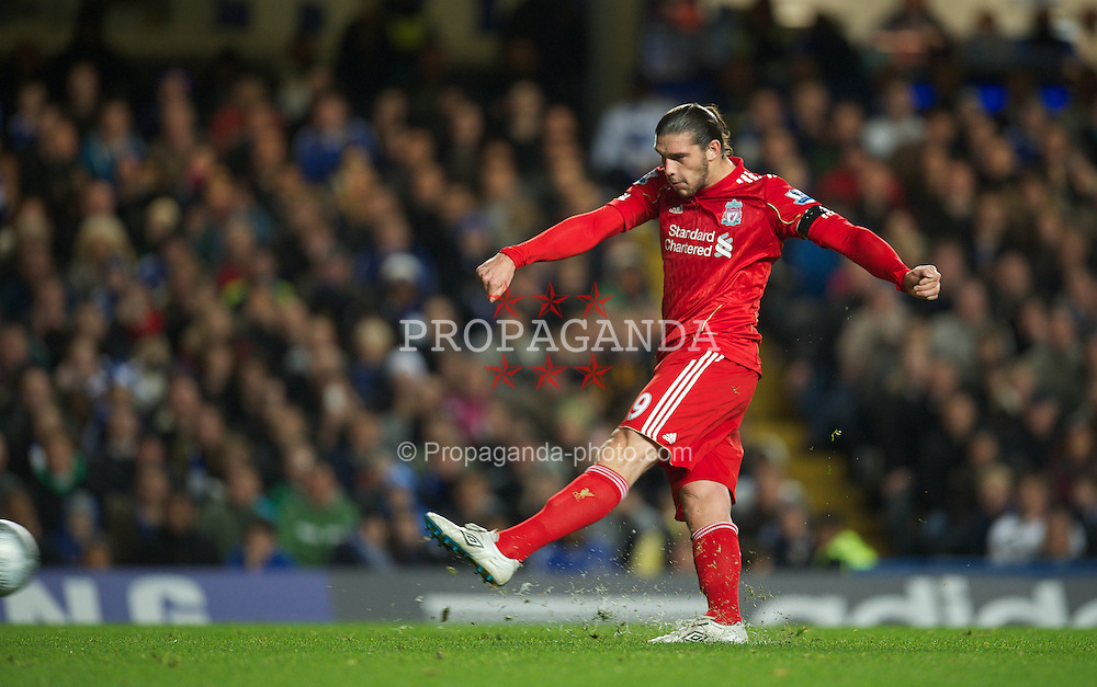 LONDON, ENGLAND - Tuesday, November 29, 2011: Liverpool's Andy Carroll sees his penalty-kick saved against Chelsea during the Football League Cup Quarter-Final match at Stamford Bridge. (Pic by David Rawcliffe/Propaganda)