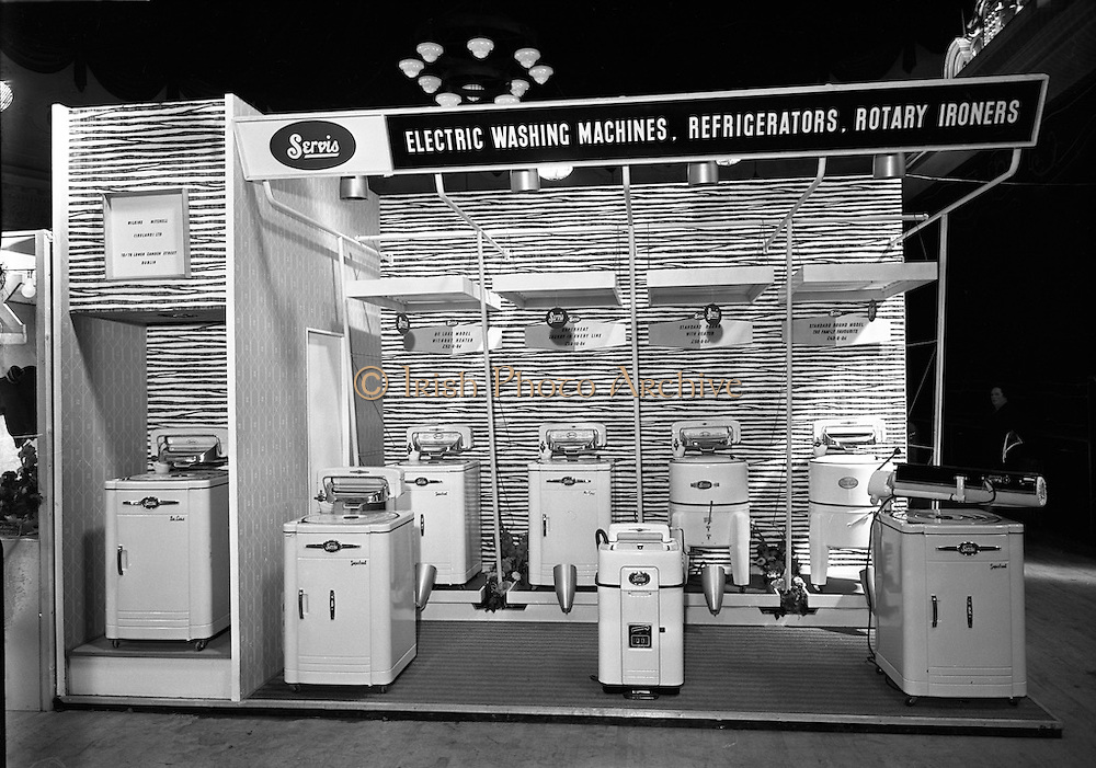 16/09/1954<br /> 09/16/1954<br /> 16 September 1954<br /> <br /> Modern Display Artists Special at Ideal Homes Exhibition