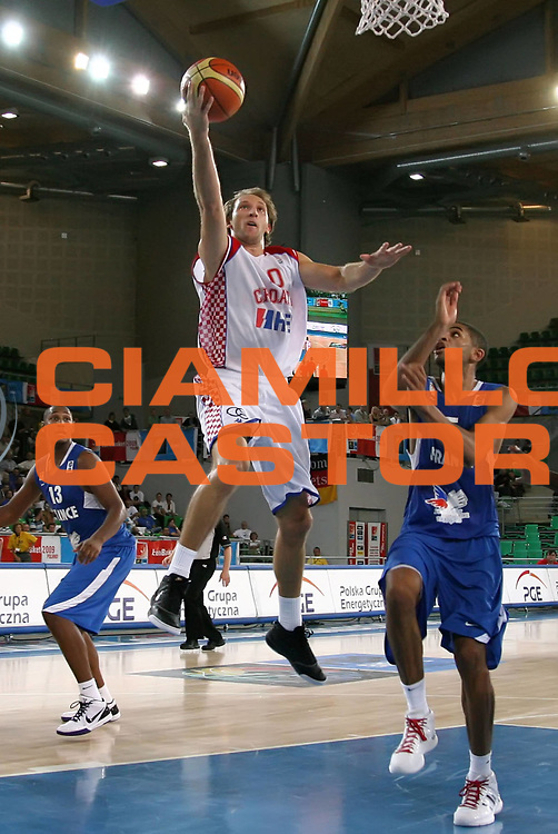 DESCRIZIONE : Bydgoszcz Poland Polonia Eurobasket Men 2009 Qualifying Round Croazia Francia Croatia France<br /> GIOCATORE : Zoran Planinic<br /> SQUADRA : Croazia Croatia<br /> EVENTO : Eurobasket Men 2009<br /> GARA : Croazia Francia Croatia France<br /> DATA : 13/09/2009 <br /> CATEGORIA :<br /> SPORT : Pallacanestro <br /> AUTORE : Agenzia Ciamillo-Castoria/A.Vlachos<br /> Galleria : Eurobasket Men 2009 <br /> Fotonotizia : Bydgoszcz Poland Polonia Eurobasket Men 2009 Qualifying Round Croazia Francia Croatia France<br /> Predefinita :
