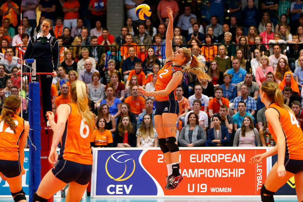 20140427 NED: Jong Oranje Vrouwen - Tsjechie, Arnhem<br /> Ilse Janssen (2) The Netherlands<br /> &copy;2014-FotoHoogendoorn.nl / Pim Waslander