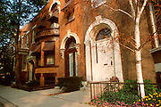 CHICAGO, HISTORIC ARCH. Alta Vista Terrace, landmark row houses in a Northside neighborhood