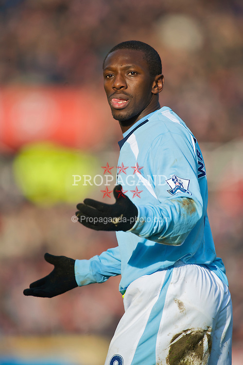 STOKE-ON-TRENT, ENGLAND - Saturday, January 31, 2009: Manchester City's Shaun Wright-Phillips in action against Stoke City during the Premiership match at the Britannia Stadium. (Mandatory credit: David Rawcliffe/Propaganda)