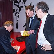 NLD/Amsterdam/20140220 - Boekpresentatie Fout Geld in De Nederlandse Bank, directeur De Nederlandse Bank Frank Elderson , Roel Janssen en Alexander Rinnooy Kan voorzitter Raad van Commissarissen van De Nederlandse Bank