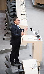 20.12.2017, Hofburg, Wien, AUT, Parlament, Nationalratssitzung, Sitzung des Nationalrates beginnend mit Wahl der neuen Präsidiumsmitglieder und Erklärung der neu angelobten Türkis-Blauen Regierung, im Bild ÖVP-Klubobmann August Wöginger // Party whip of the Austrian Peoples Party (OeVP) August Woeginger during meeting of the National Council of austria at Hofburg palace in Vienna, Austria on 2017/12/20, EXPA Pictures © 2017, PhotoCredit: EXPA/ Michael Gruber