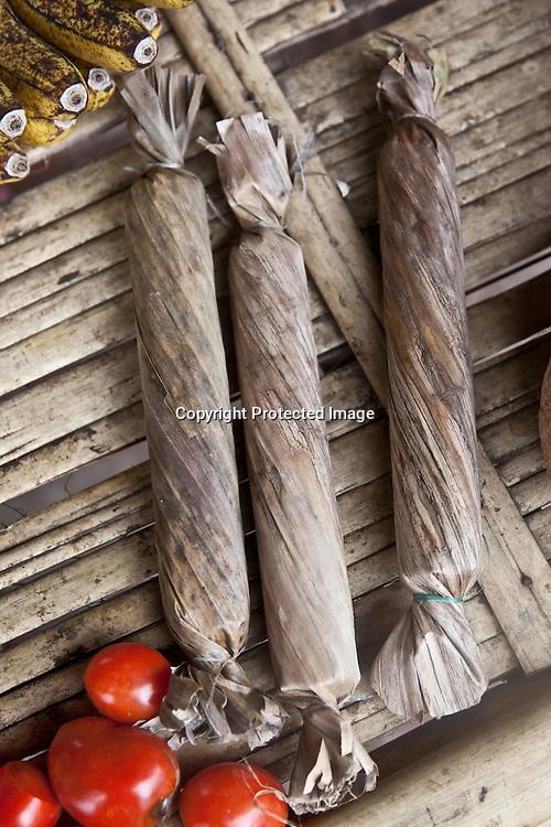 INDONESIA, Flores Archipelago, Market near detusoko