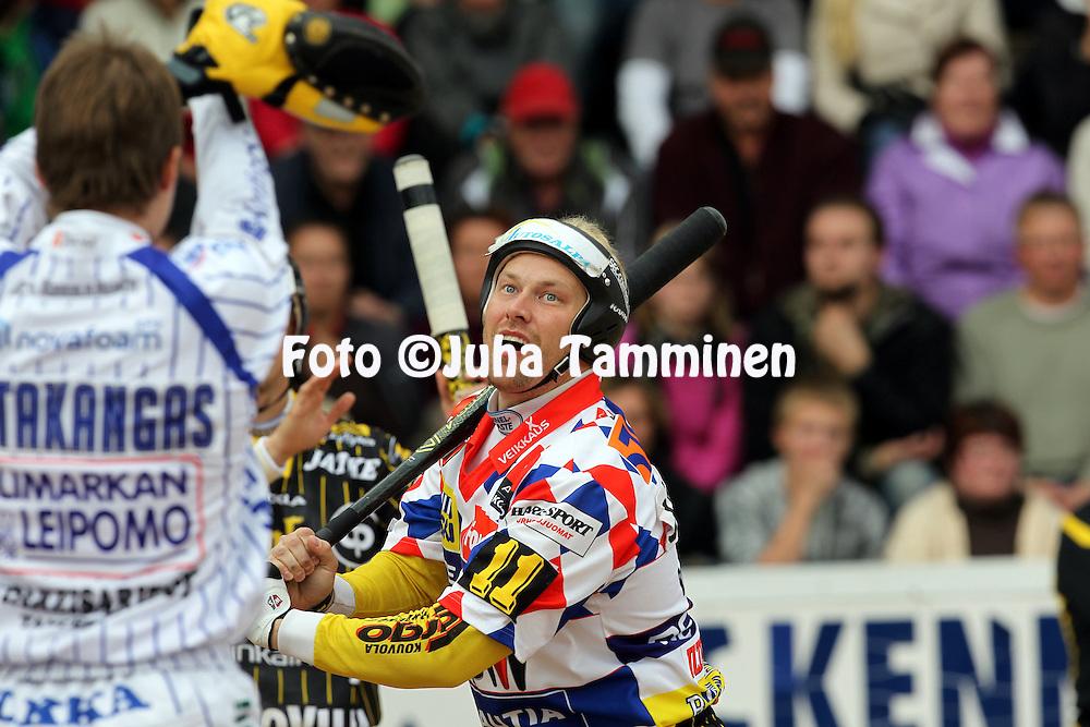 05.09.2010, Saarikentt?, Vimpeli..Superpesis 2010, 2. loppuottelu, Vimpelin Veto - Kouvolan Pallonly?j?t..Antti J?rvinen - KPL.©Juha Tamminen.