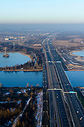 Nederland, Noord-Holland, Gemeente Muiden, 14-02-2017; A6 nabij Knooppunt Muiderberg, Hollandse brug over Gooimeer, richting Almere.<br /> Motorway A6 near Almere.<br /> luchtfoto (toeslag op standard tarieven);<br /> aerial photo (additional fee required);<br /> copyright foto/photo Siebe Swart