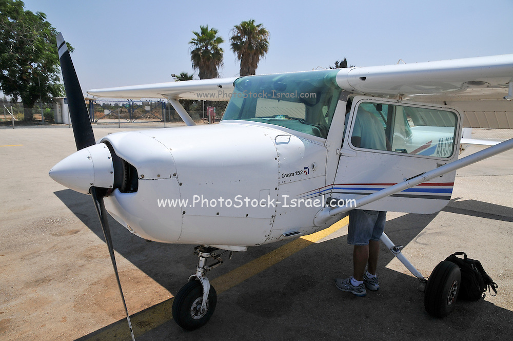 Cessna 152 single engine plane