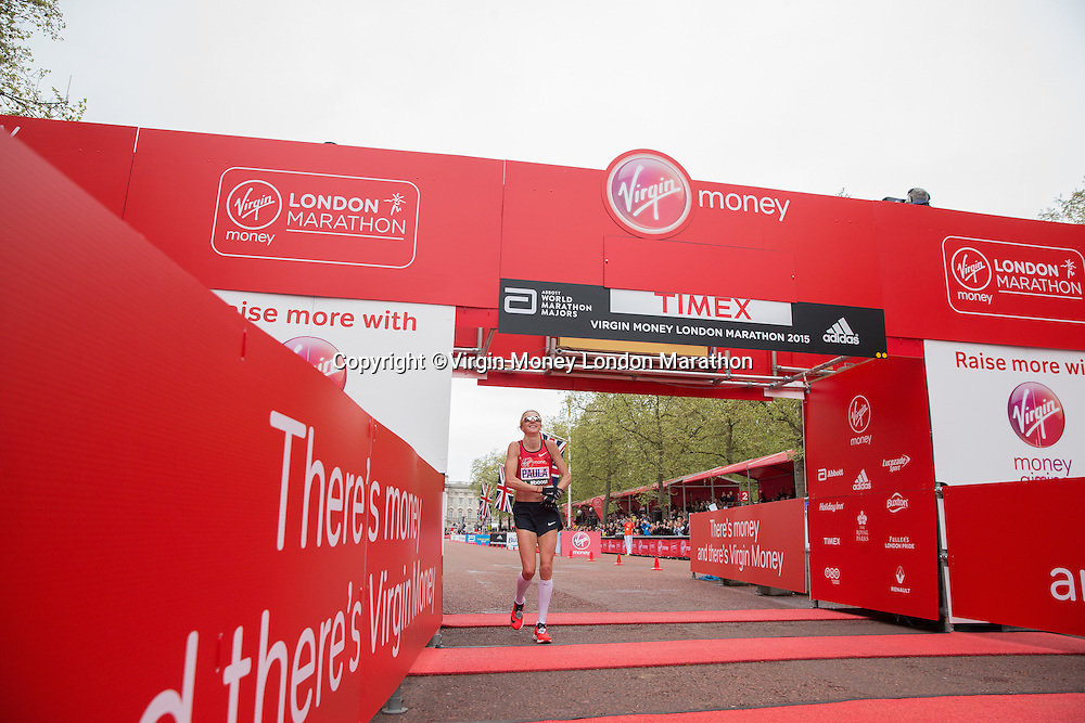 Paula Radcliffe completes her final marathon at the Virgin Money London Marathon, Sunday 26th April 2015.<br /> <br /> Scott Heavey for Virgin Money London Marathon<br /> <br /> For more information please contact Penny Dain at pennyd@london-marathon.co.uk