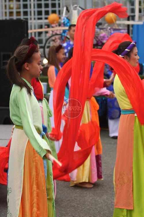 Celebrate Little Saigon 2012 Huong Viet Performing Arts Group.