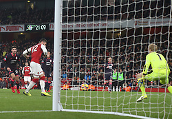 29 November 2017 London : Premier League Football : Arsenal v Huddersfield Town - Olivier Giroud scores the second Arsenal goal.<br /> (photo by Mark Leech)
