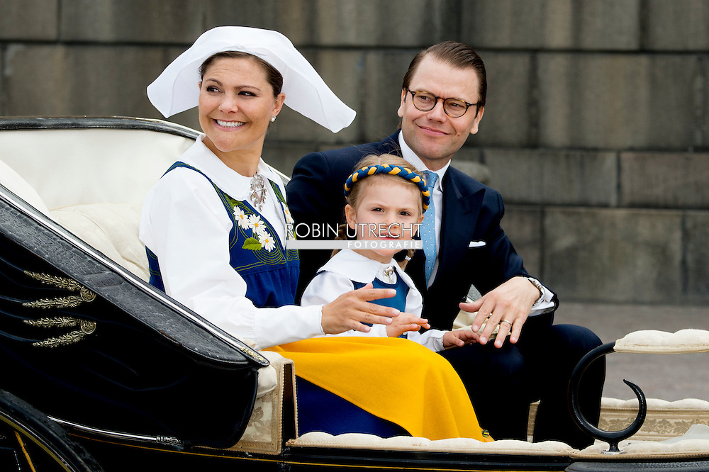 6-6-2016 STOCKHOLM SWEDEN - Stockholm CrownPrincess Victoria and Princess Estelle and Prince Daniel leaving the palace attend the the carriage procession  in Stockholm during the celebration of the National Day of Sweden.  COPYRIGHT ROBIN UTRECHT<br /> 2016/06/06 STOCKHOLM ZWEDEN - Stockholm kroon prinses  Victoria en Prinses Estelle en prins Daniel het verlaten van het paleis wonen de de wagen processie in Stockholm tijdens de viering van de Nationale Dag van Zweden. COPYRIGHT ROBIN UTRECHT