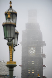 © Licensed to London News Pictures. 22/02/2019. London, UK. Fog shrouds the Houses of Parliament in the early morning at Westminster in Central London. Record temperatures for February have been predicted for next week. Photo credit: Ben Cawthra/LNP