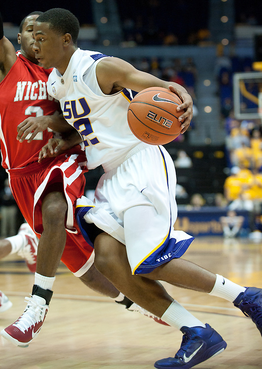 LSU Tigers guard Ralston Turner (22) runs in for a basket during the second half of the game. Nicholls State Colonels defeated LSU 62-53.