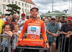 08.07.2019, Wiener Neustadt, AUT, Ö-Tour, Österreich Radrundfahrt, 2. Etappe, von Zwettl nach Wiener Neustadt (176,9 km), im Bild Matthias Krizek (AUT, Team Felbermayr Simplon Wels) im Trikot des besten Österreichers // Matthias Krizek of Austria (Team Felbermayr Simplon Wels) in the jesey for the best Austrian rider during 2nd stage from Zwettl to Wiener Neustadt (176,9 km) of the 2019 Tour of Austria. Wiener Neustadt, Austria on 2019/07/08. EXPA Pictures © 2019, PhotoCredit: EXPA/ Reinhard Eisenbauer