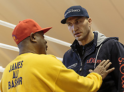 11.11.2015, Stanglwirt, Going, AUT, Wladimir Klitschko, Training, Kampfvorbereitung gegen Tyson Fury (GBR), im Bild v.l. Assistent Coach James Ali Bashir, Wladimir Klitschko // Assistent Coach James Ali Bashir ( L ) Wladimir Klitschko ( R ) during a training session in front of his Fight against Tyson Fury (GBR) at the Stanglwirt in Going, Austria on 2015/11/11. EXPA Pictures © 2015, PhotoCredit: EXPA/ Johann Groder