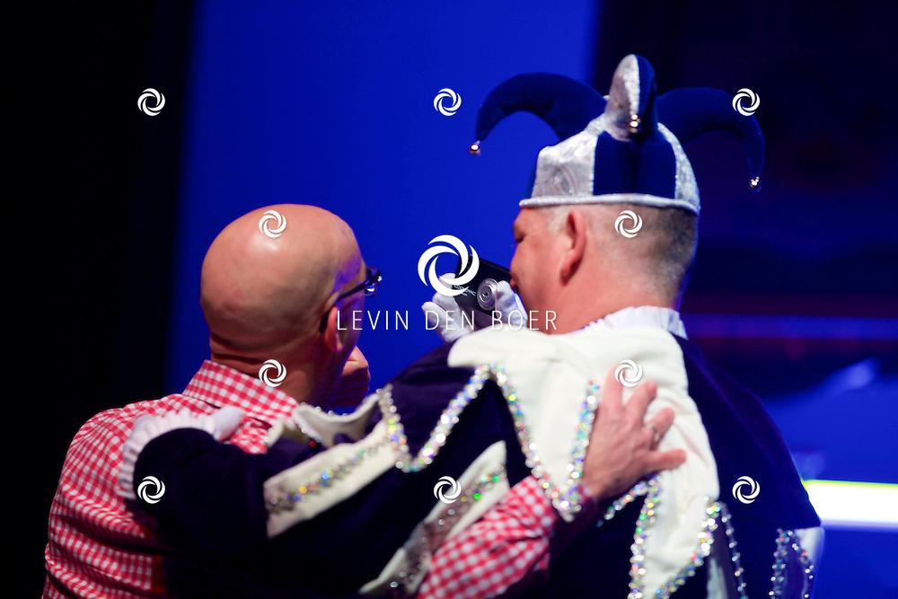 ZALTBOMMEL - In de Poorterij is onze nieuwe Prins Maerten XV en zijn adjudant bekend gemaakt tijdens het Prinsenbal 2015. FOTO LEVIN DEN BOER - KWALITEITFOTO.NL