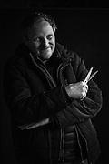 """Florent Mangeot par Sylvain Labeste Portraits d'acteurs et de techniciens sur le tournage de """"Nos Vies Formidables"""" de Fabienne Godet. Lumière naturelle. Janvier 2017."""
