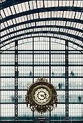 Frankrijk, Parijs, 1-6-2001..De grote klok in het musee 'dOrsay, voormalig treinstation, nu museum...Foto: Flip Franssen/Hollandse Hoogte