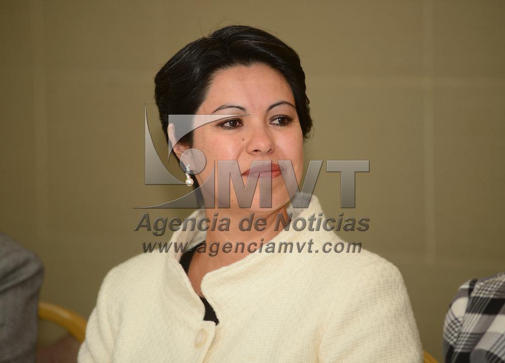 Toluca, México.- Rosalinda Benítez González, Secretaria de Turismo, durante la firma del acuerdo para la implementación del Código Nacional de Conducta para la protección de niñas, niños y adolescentes en el sector de los viajes y turismo.  Agencia MVT / Crisanta Espinosa