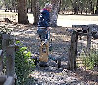 HALL'S GAP -  Met een huurset de baan in op Mount Difficult Golf Course - ANP COPYRIGHT KOEN SUYK