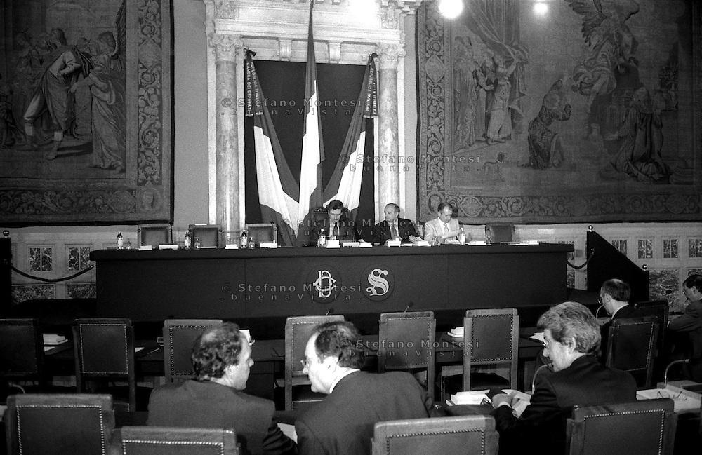 Roma Giugno 1997 .Massima D'Alema, Presiede una riunione della Bicamerale, Commissione parlamentare per le riforme costituzionali,  nella sala Regina  a Palazzo Montecitorio.
