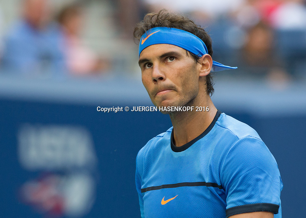 RAFAEL NADAL (ESP)  reagiert enttaeuscht,Frust,Emotion,<br /> <br /> <br /> Tennis - US Open 2016 - Grand Slam ITF / ATP / WTA -  USTA Billie Jean King National Tennis Center - New York - New York - USA  - 4 September 2016.