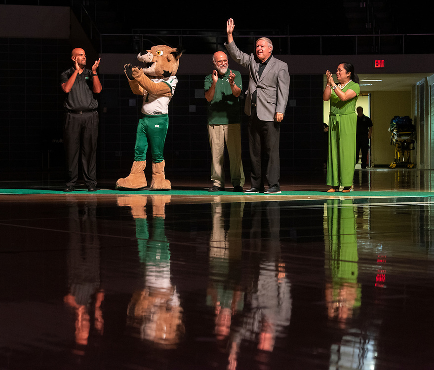 From left, Jason Pina, Rufus, Chaden Djalali, President Nellis and Gigi Secuban walk into the Convo for the 2019 First Year Convocation. Photo by Hannah Ruhoff