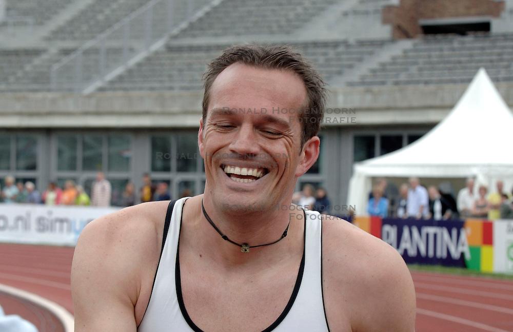 09-07-2006 ATLETIEK: NK BAAN: AMSTERDAM<br /> Patrick van Balkom neemt afscheid<br /> &copy;2006-WWW.FOTOHOOGENDOORN.NL
