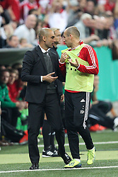 25.09.2013, Allianz Arena, Muenchen, GER, DFB Pokal, FC Bayern Muenchen vs Hannover 96, 2. Runde, im Bild l-r: Chef-Trainer Pep GUARDIOLA (FC Bayern Muenchen) und Arjen ROBBEN #10 (FC Bayern Muenchen) // during German DFB Pokal Match between FC Bayern Munich and Hannover 96 at the Allianz Arena, Munich, Germany on 2013/09/25. EXPA Pictures © 2013, PhotoCredit: EXPA/ Eibner/ Christian Kolbert<br /> <br /> ***** ATTENTION - OUT OF GER *****