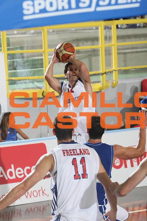 DESCRIZIONE : Cagliari Torneo Internazionale Sardegna a canestro Estonia Gran Bretagna Great Britain <br /> GIOCATORE :  Nate Reinking<br /> SQUADRA :  Gran Bretagna<br /> EVENTO : Raduno Collegiale Nazionale Maschile <br /> GARA : Estonia Gran Bretagna Great Britain <br /> DATA : 14/08/2008 <br /> CATEGORIA : Tiro <br /> SPORT : Pallacanestro <br /> AUTORE : Agenzia Ciamillo-Castoria/C. De Massis <br /> Galleria : Fip Nazionali 2008 <br /> Fotonotizia : Cagliari Torneo Internazionale Sardegna a canestro Estonia Inghilterra<br /> Predefinita :