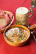 Original Pichelsteiner Eintopf, Spezialität aus dem Bayerischen Wald, Regen, Food, Essen, Bayerischer Wald, Bayern, Deutschland | original Pichelsteiner Stew, food, Regen, Bavarian Forest, Bavaria, Germany