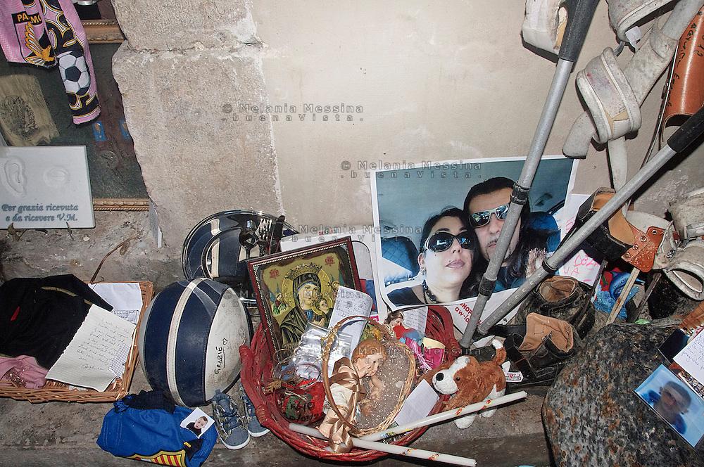 Palermo, sanctuary of Saint Rosalia: offering, letters asking for solving problems or fullfillment of needs and desires to the Saint.<br /> Palermo, santuario di Santa Rosalia: offerte e richieste di aiuto alla santa,