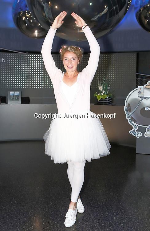 Generali Ladies Linz 2014,WTA Tour, Damen<br /> Hallen Tennis Turnier in Linz, Oesterreich,<br /> Anna-Lena Friedsam (GER) auf der Players Party unter dem Motto:Night Of Ballet, Einzelbild,Ganzkoerper,Hochformat,