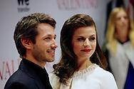 AMSTERDAM - In Tuschinski is de Nederlandse film Valention in premiere gegaan. Diversen bekende Nederlanders kwamen over de rode loper. Met hier op de foto  actrice Elise Schaap met partner Wouter de Jong. FOTO LEVIN DEN BOER - PERSFOTO.NU