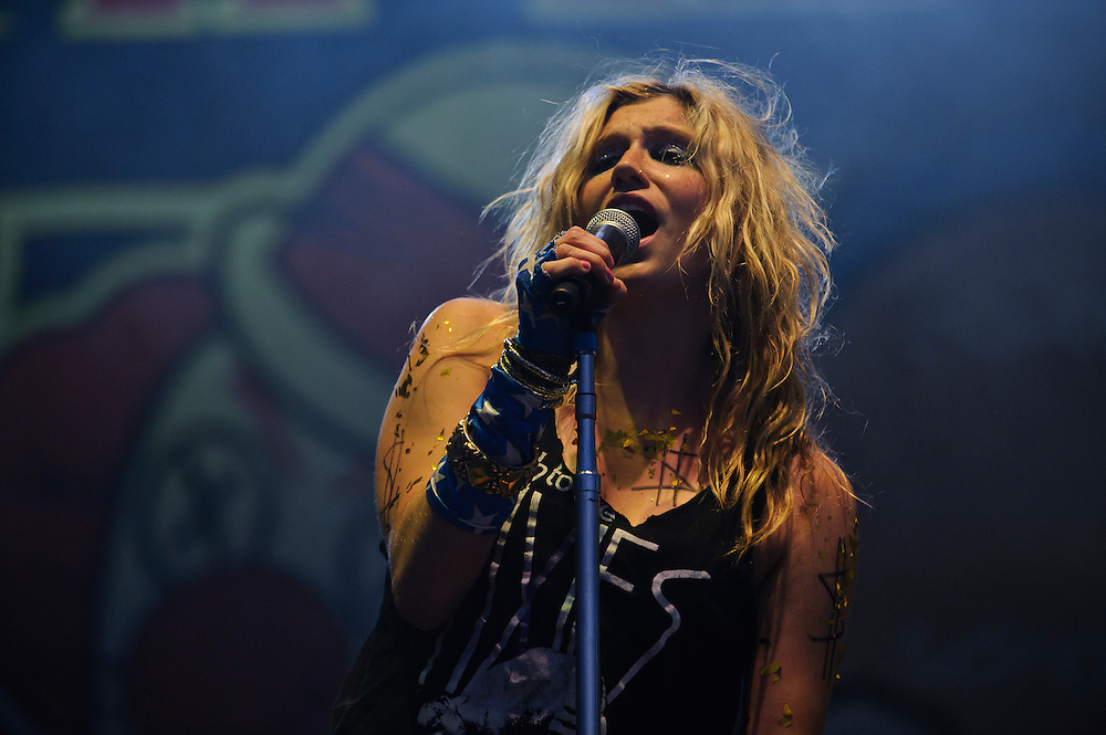 Ke$ha performing at The Bamboozle in East Rutherford, New Jersey. May 1, 2010. Copyright © 2010 Matt Eisman. All Rights Reserved.