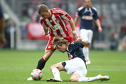 18.09.2010, Allianz Arena, Muenchen, GER, 1.FBL, FC Bayern Muenchen vs 1.FC Koeln, im Bild Bastian Schweinsteiger (Bayern #31) im kampf mit Martin Lanig (Koeln #5)  , EXPA Pictures © 2010, PhotoCredit: EXPA/ nph/  Straubmeier+++++ ATTENTION - OUT OF GER +++++ / SPORTIDA PHOTO AGENCY