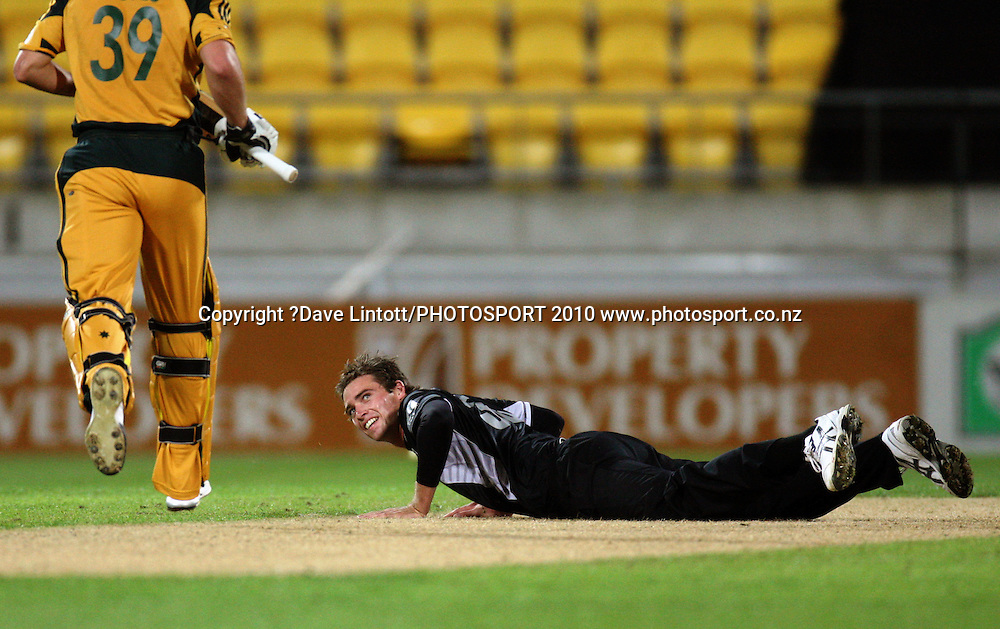 NZ's Tim Southee looks up at James Hopes.<br /> Fifth Chappell-Hadlee Trophy one-day international cricket match - New Zealand v Australia at Westpac Stadium, Wellington. Saturday, 13 March 2010. Photo: Dave Lintott/PHOTOSPORT