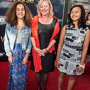 NLD/Amsterdam/20140614 - Inloop premiere Warhorse, Jet Bussemaker en kinderen