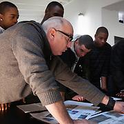 Visite des élèves de la section BELEEC à l'atelier de Yann Kersalé - Lycée électrique 2011